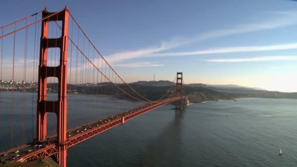 posouvání času zanikla golden gate bridge san francisco