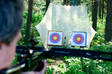 Crossbow shooting