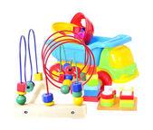 Hračky pro děti izolované na bílém pozadí