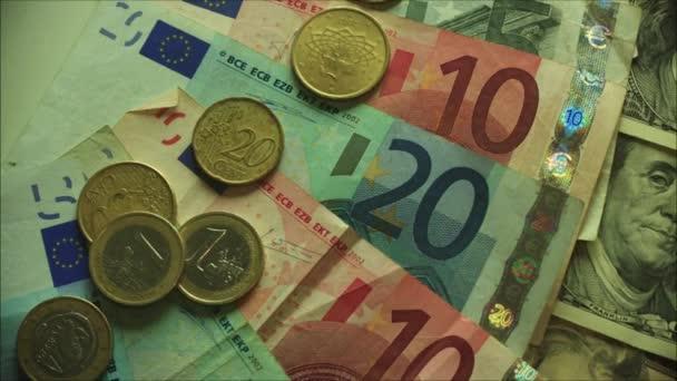 hotovostní euro bankovky