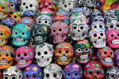 bunter Totenkopf aus mexikanischer Tradition