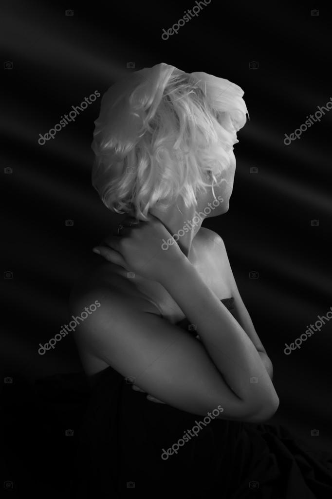 σόλο γυμνό κορίτσι φωτογραφίες τεράστιο μαύρο πουλί σεξ