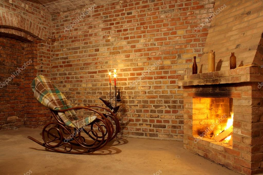 Sedie A Dondolo Depoca : Interni d epoca con sedia a dondolo da camino e candele