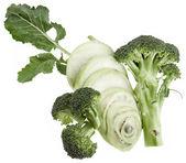kedlubny a brokolice izolovaných na bílém pozadí