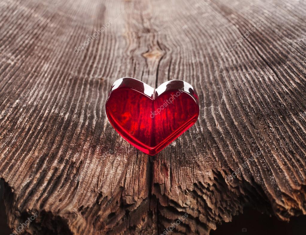 liebe herz auf holz textur hintergrund valentinstag karte konzept stockfoto 21188945. Black Bedroom Furniture Sets. Home Design Ideas