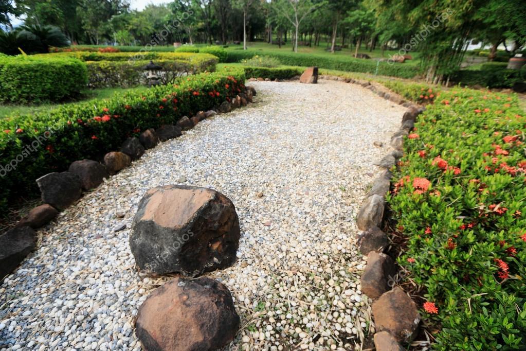 Giardini zen giapponesi foto stock oilslo 36478297 for Giardini zen immagini