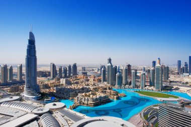 Downtown Dubai is a popular place for shopping and sightseeing, especially the fountain
