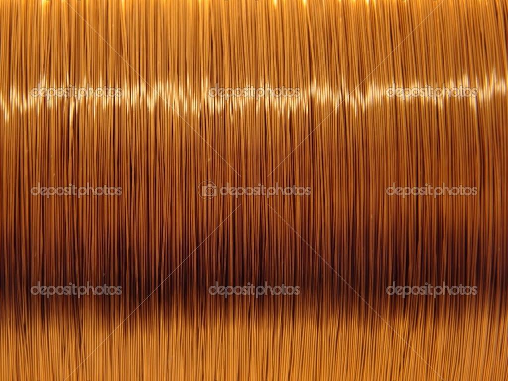 Der emaillierte Kupferdraht auf der Spule — Stockfoto © Sangri #14534991