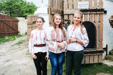 Moldovan girls in national costumes