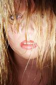 mokré blondýnka