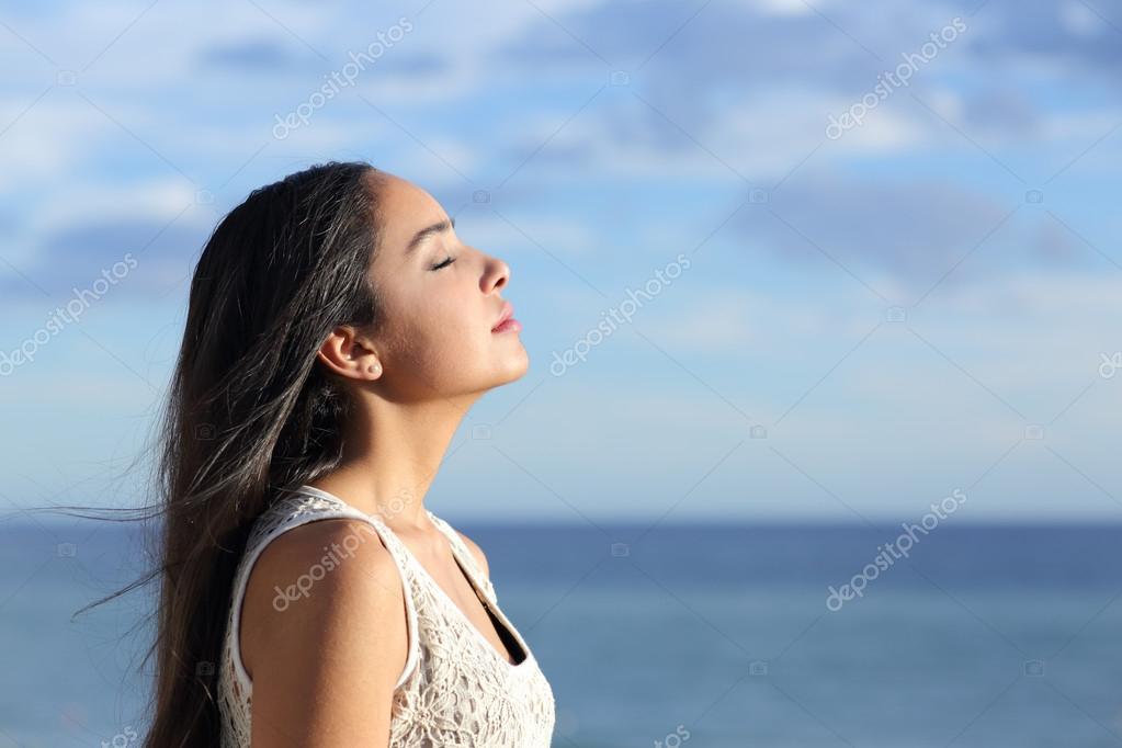 Resultado de imagem para mulher respirando