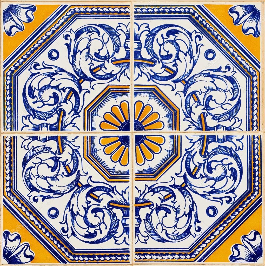 Tradicionais azulejos portugueses fotografias de stock for Azulejos de ceramica