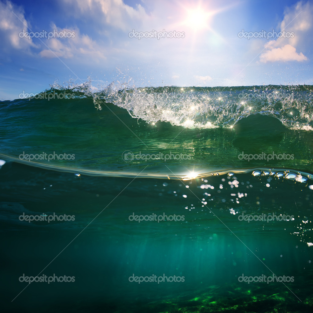 Фотообои design template with underwater part and sunset skylight splitte