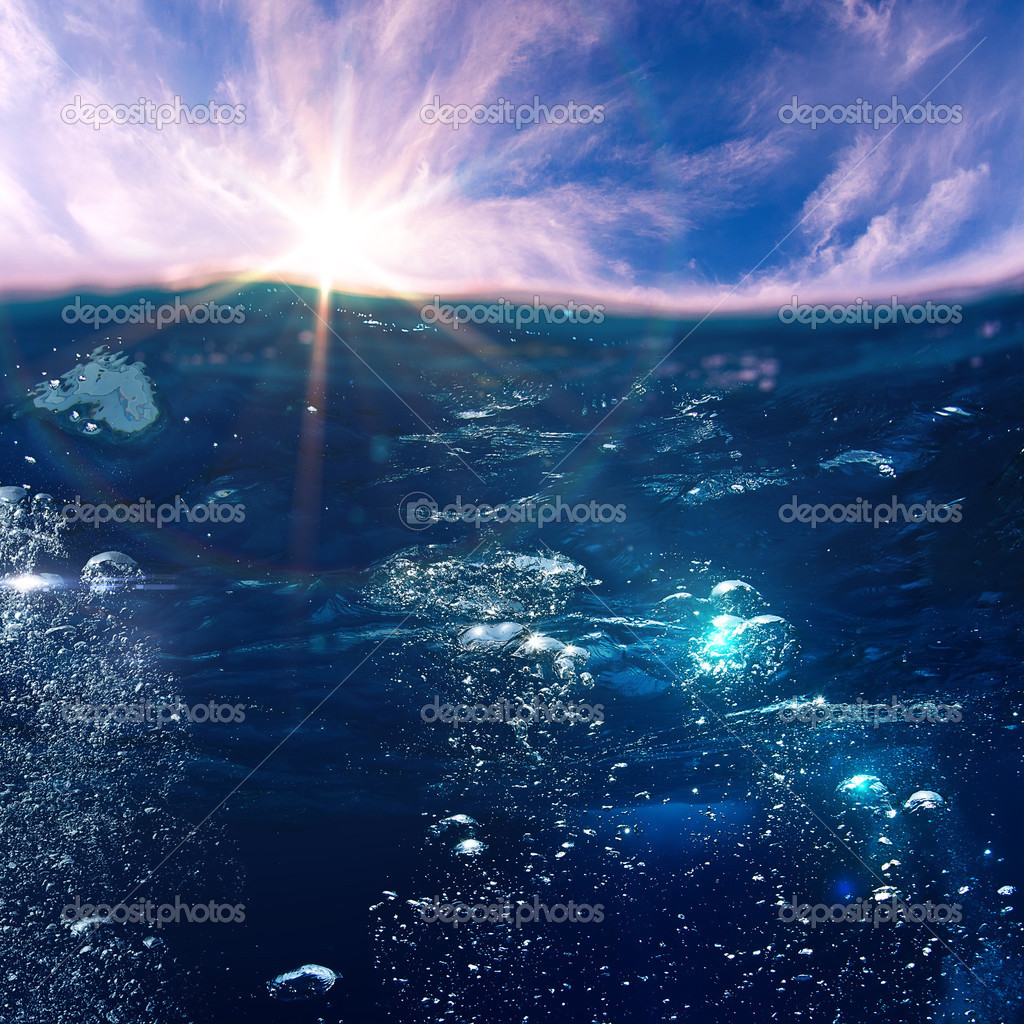 Фотообои design template with underwater part and sunset skylight splitte