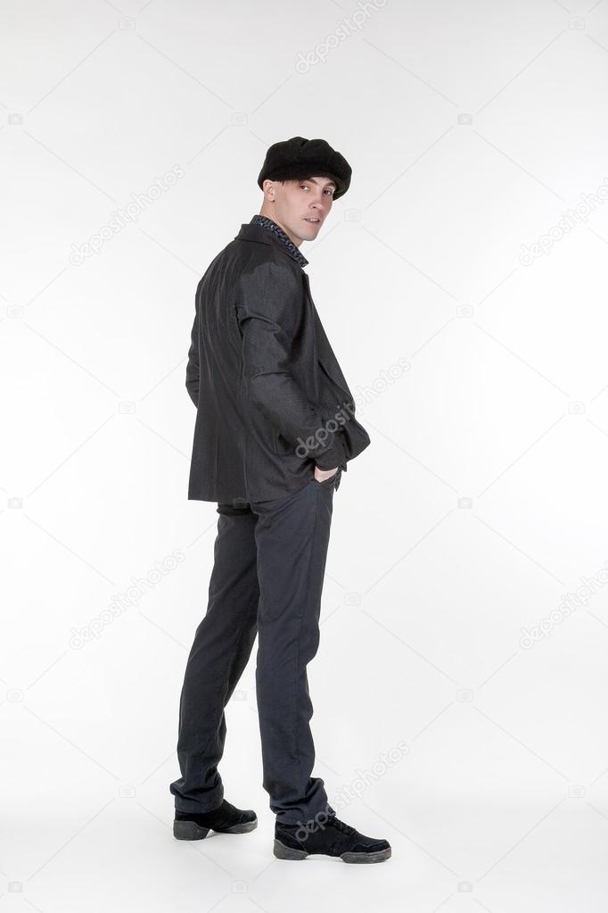 Hombre guapo moda retro de estilo aislado sobre fondo blanco — Fotos de  Stock 16ff7877c93