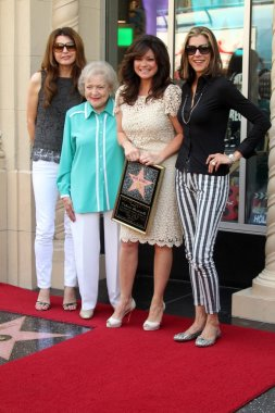 Jane Leeves, Betty White, Valerie Bertinelli, Wendie Malick