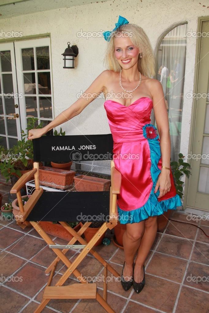 Kamala Jones Nude Photos 65