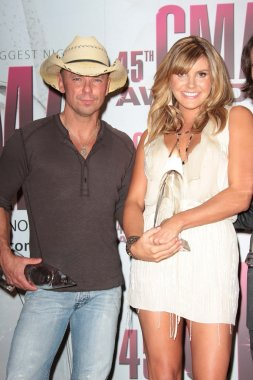 Kenny Chesney and Grace Potter at the 2011 CMA Awards, Bridgestone Arena, Nashville, TN 11-09-11
