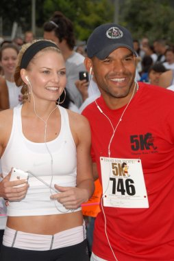 Jennifer Morrison and Amaury Nolasco