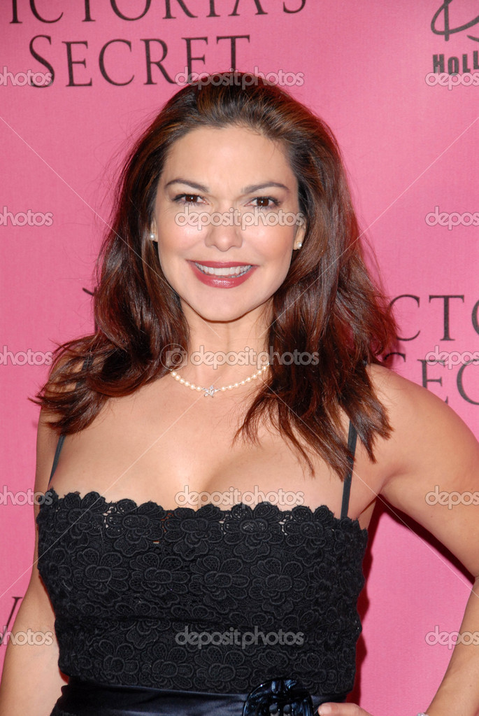 Laura harring sexy pictures, xxxpinkworld
