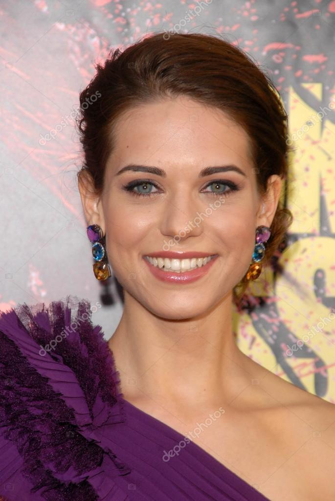 lyndsy-fonseca-kick-ass-pics-unshaved-naked