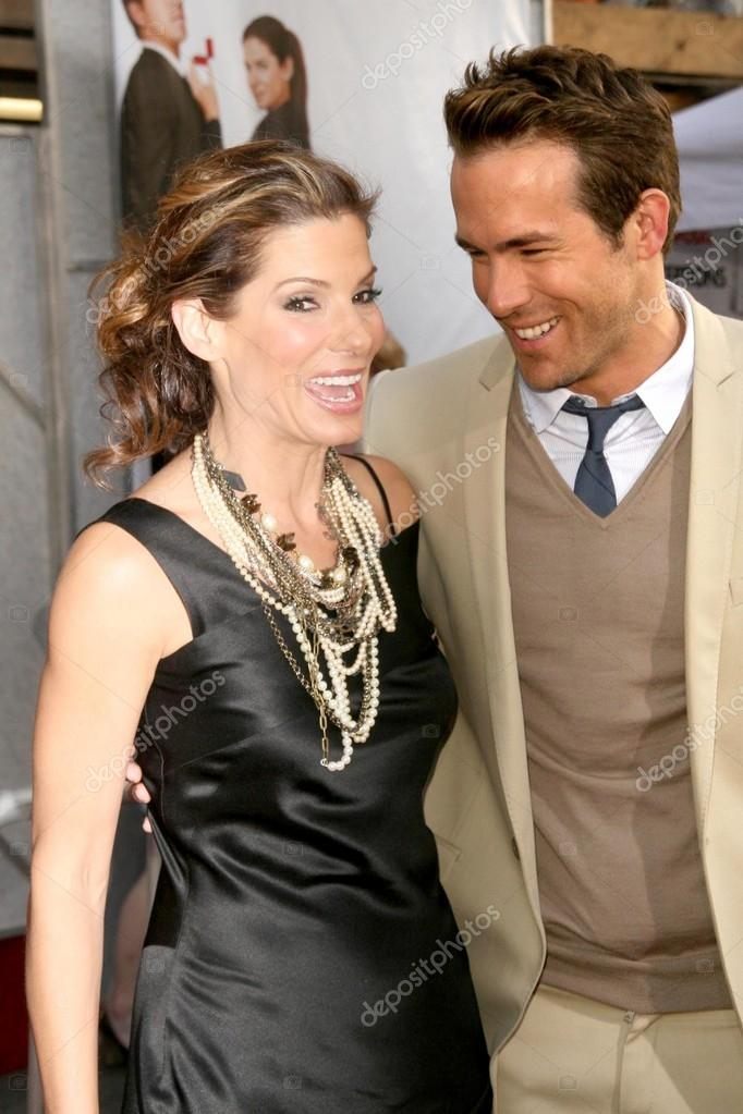Sandra Bullock And Ryan Reynolds Stock Editorial Photo Sbukley