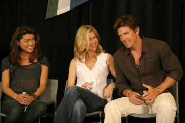 Grace Park with Kate Vernon and Michael Trucco