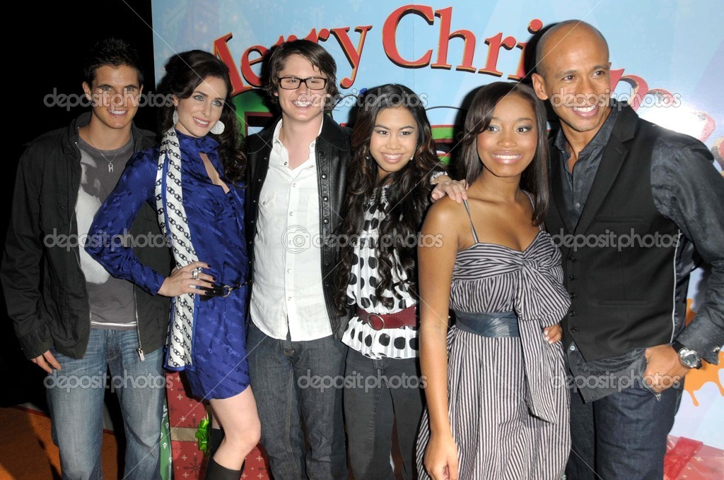 Frohe Weihnachten Drake Josh.The Cast Of Nickelodeon S True Jackson Redaktionelles Stockfoto
