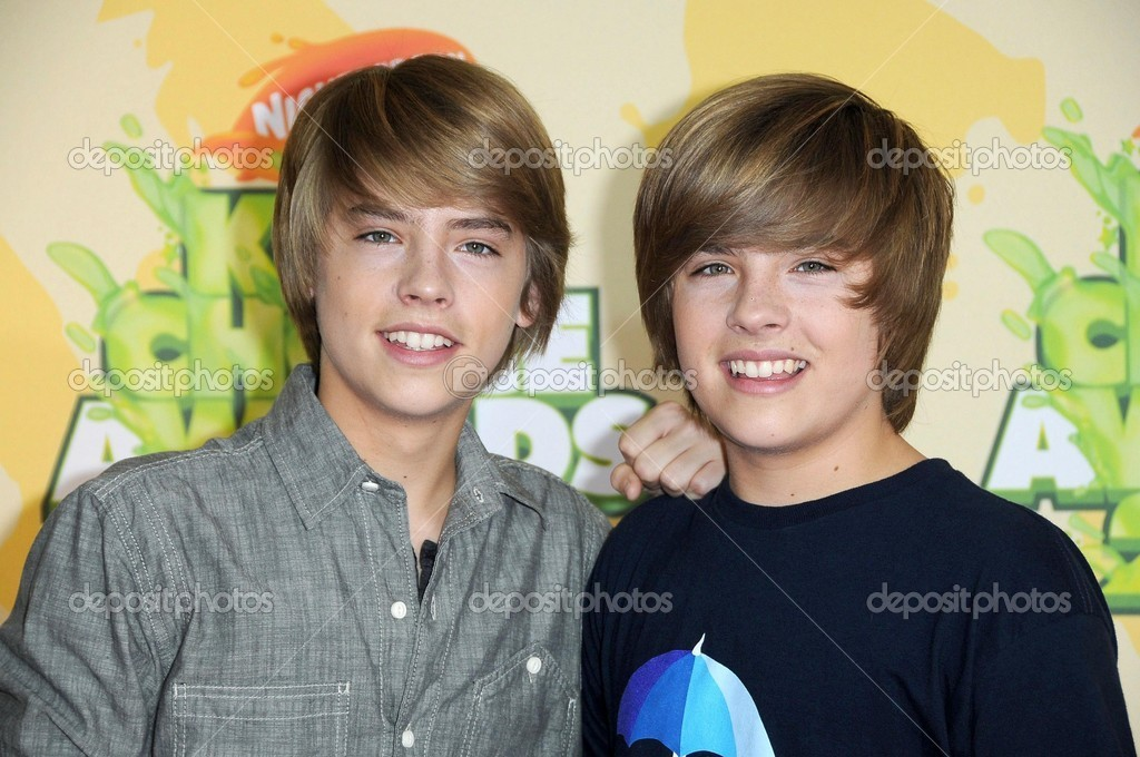 Dylan Sprouse and Cole Sprouse at Nickelodeon's 2009 Kids ...