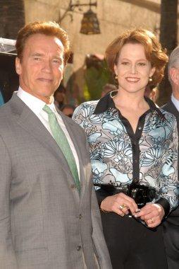 Arnold Schwarzenegger, Sigourney Weaver