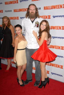 Tyler Mane with Danielle Harris and Scout Taylor-Compton