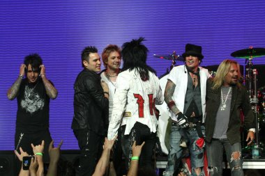 Motley Crue and Buckcherry with Papa Roach and Trapt