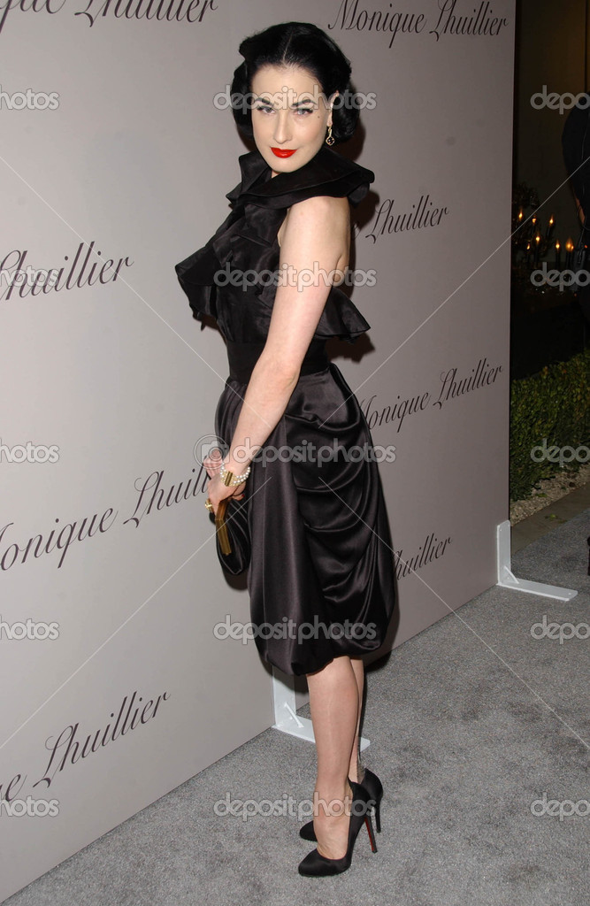 Dita Von Teese At The Grand Opening Of Monique Lhuilliers New