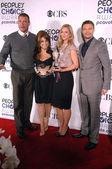 Scott Foley és Paula Abdul a A.J. Cook és Ryan Seacrest
