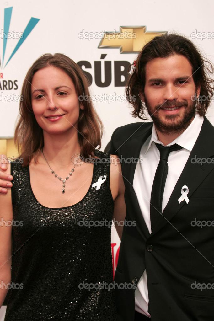 santiago cabrera and wife