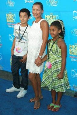 Vanessa Williams and family
