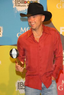 Kenny Chesney in the press room at the 2006 Billboard Music Awards. MGM Grand Hotel, Las Vegas, NV. 12-04-06