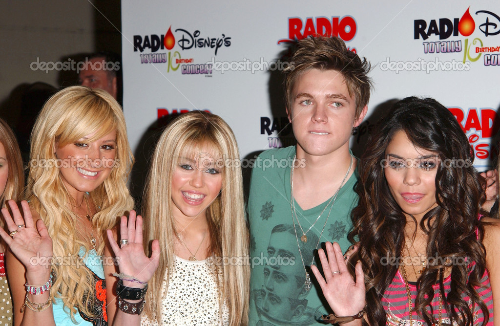 miley cyrus födelsedag Ashley Tisdale, Miley Cyrus, Jesse Mccartney, Vanessa Anne Hudgens  miley cyrus födelsedag