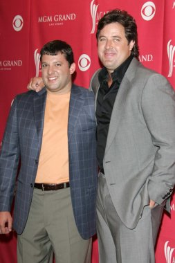Tony Stewart and Vince Gill