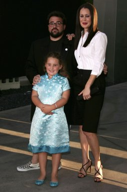 Kevin Smith with Jennifer Schwalbach Smith and Harley Quinn Smith at the premiere of Clerks ll. Arclight Cinemas, Hollywood, CA. 07-11-06