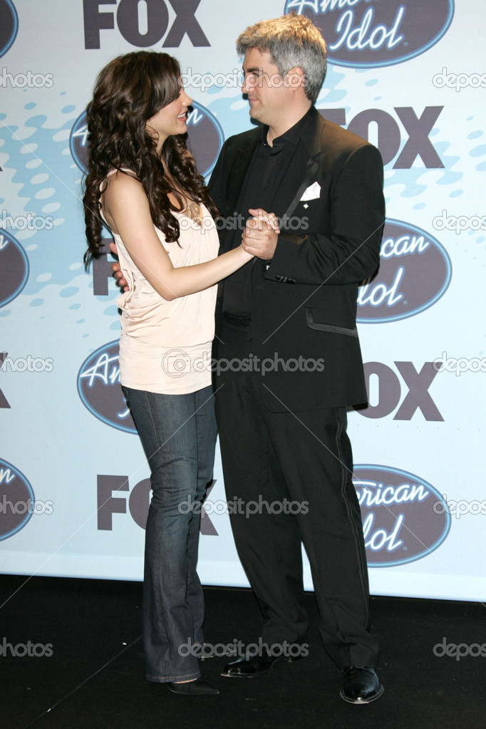 Katharine McPhee and Taylor Hicks in the press room at the