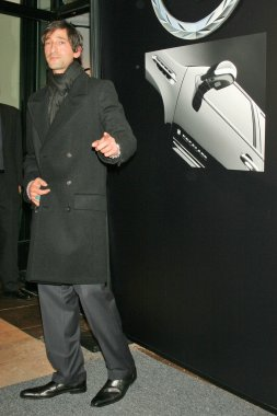 Adrien Brody at the Chrome Couture celebration of luxury with the 2007 Cadillac Escalade unveiling, Rodeo Drive, Beverly Hills, CA 11-09-05