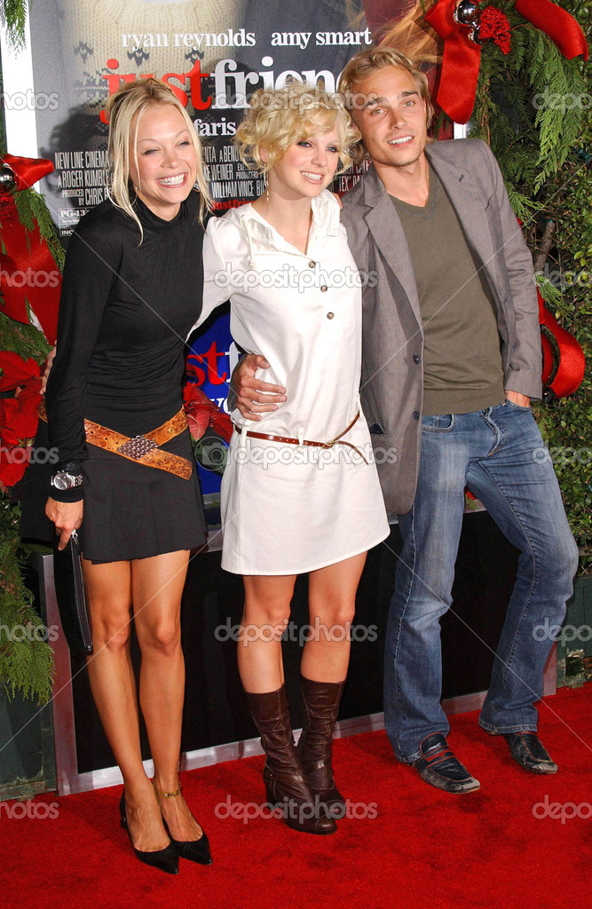 Alexandra Holden with Anna Faris and Joey Kern at the