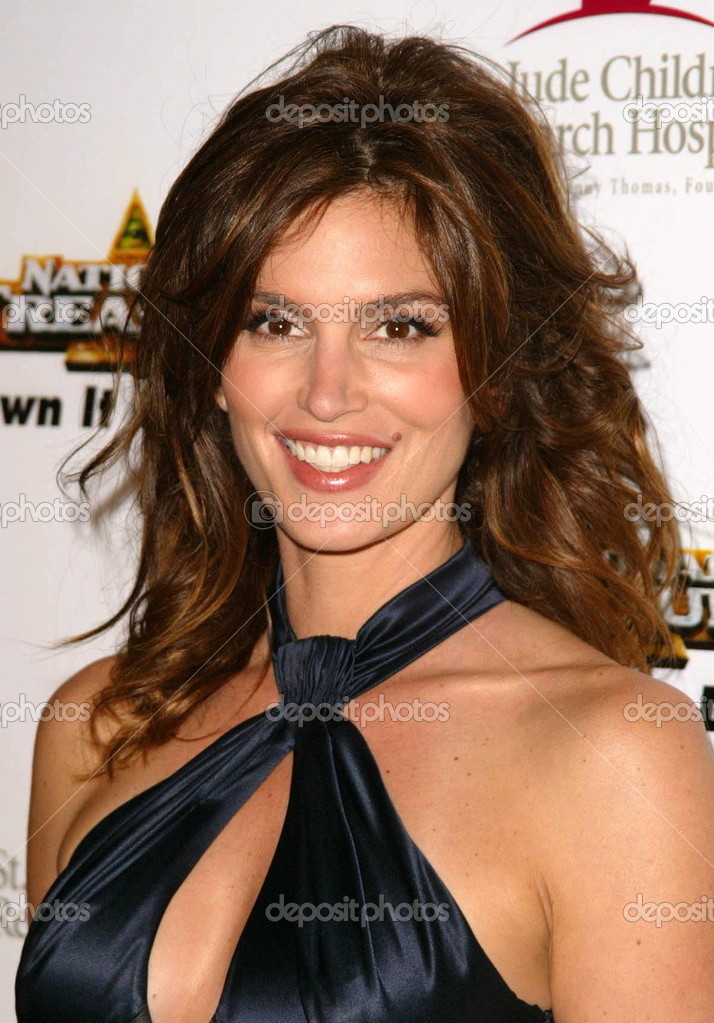 How tall is cindy crawford-3338
