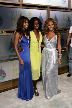 Michelle Williams with Kelly Rowland and Beyonce Knowles of Destinys Child