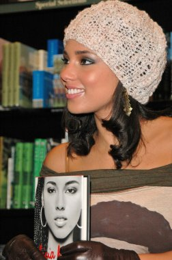 Alicia Keys at at Barnes and Noble at The Grove Alicia Keys Signs her Songbook of Poems and Lyrics Tears For Water, Barnes and Noble at The Grove, Los Angeles, CA 11-13-04