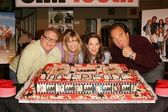 Larry Joe Campbell, Kimberly Williams paisley, Courtney Thorne Smith und Jim Belushi
