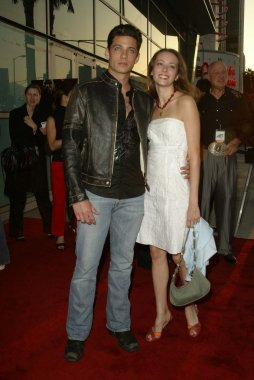 James Carpinello and Amy Acker