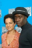 Don cheadle a Eva radlice