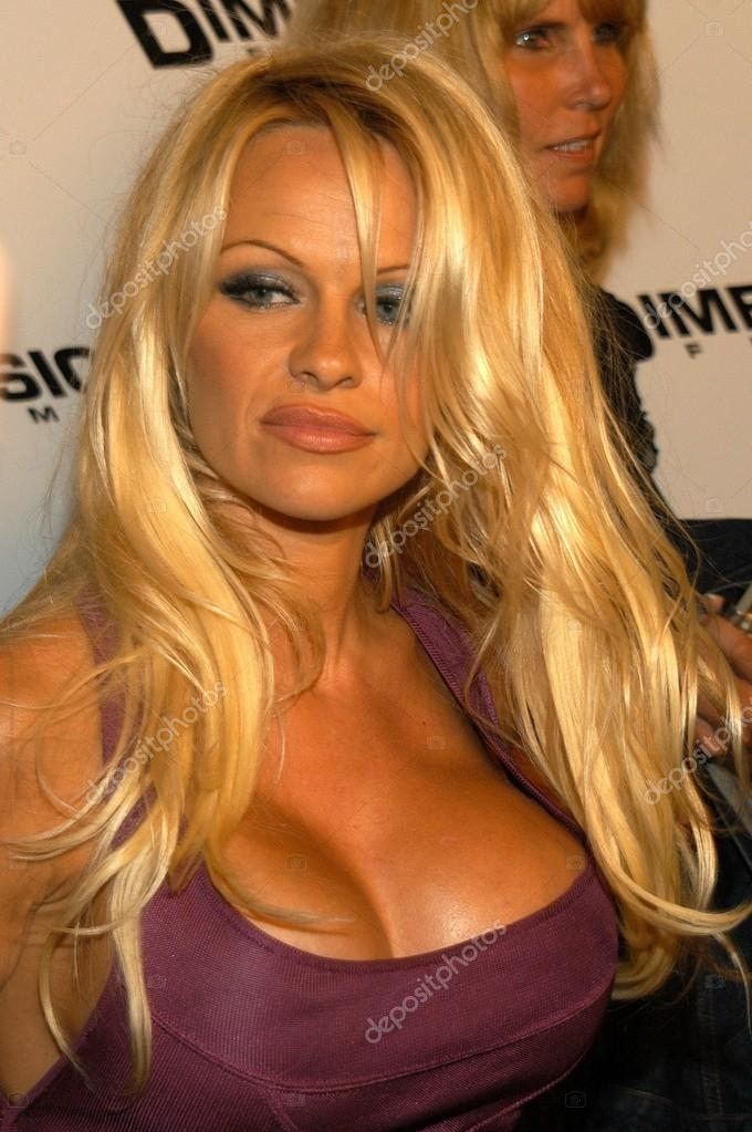 movie scary Pamela anderson